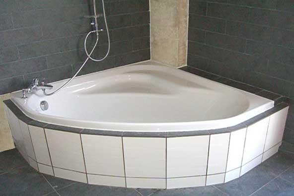Moteur de recherche sukoga image baignoire d 39 angle for Comdimensions d une baignoire